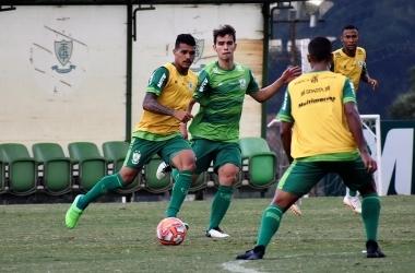 Coelho fechará semana de preparação para o clássico decisivo com dois treinos matutinos (Foto: João Zebral / América)