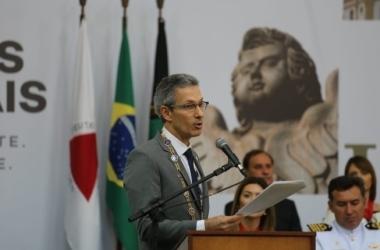 Governador falou ao lado de outras autoridades do Estado durante entrega da Medalha da Inconfidência / Ane Souz/Prefeitura de Ouro Preto/Divulgação
