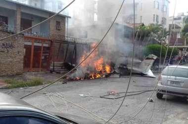 Um avião caiu no Bairro Caiçara, na Região Noroeste de Belo Horizonte(foto: Carlos Henrique Diniz )