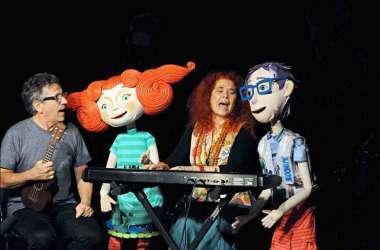 Espetáculo terá aproximadamente 40 bonecos feitos com material reciclável (foto: Túlio Santos/EM/D.A.Press)