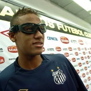 392c4d8c67ea8 Neymar diz que poderá dispensar o óculos no domingo
