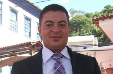 Vereador acusado de matar a ex-mulher e o pai dela é preso no RJ