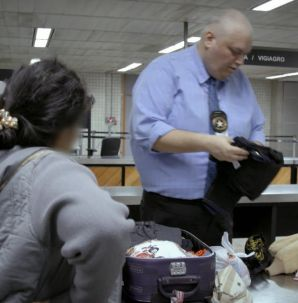 Aeroporto: Área Restrita: comissária de bordo tenta entrar no país com joias ilegais