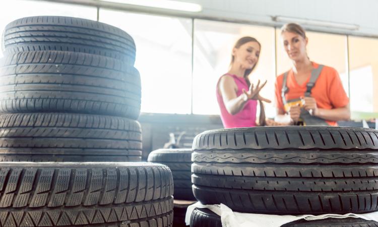 post-mulheres-na-reforma-de-pneus.jpg