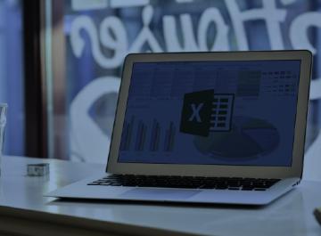 Excel, Preferência Nacional, Contrariando Tendências