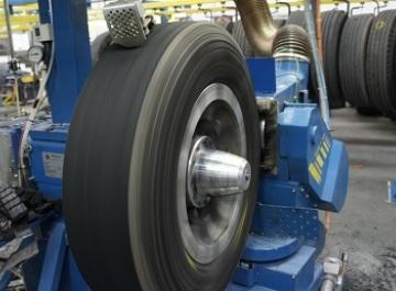 Como funciona o processo de recapagem do pneu?