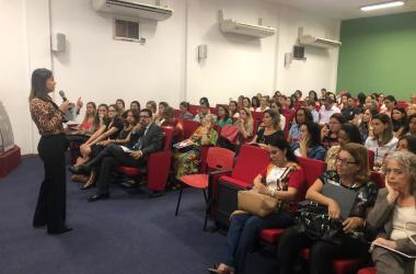 Escolas comparecem a evento do SINEP/MG sobre decreto de consumo saudável