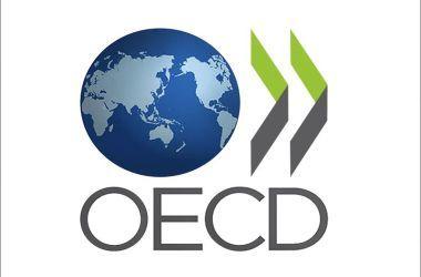Investimento por aluno segue estagnado no Brasil, diz estudo da OCDE