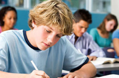 Comissão da Câmara aprova matrícula em escola sem apresentar certidão de nascimento ou identidade