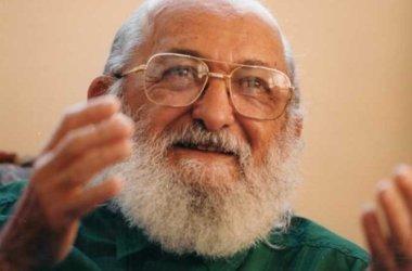 Bolsonaro defende retirar Paulo Freire como o patrono da educação brasileira