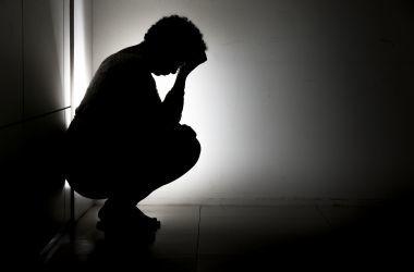 Lei federal busca prevenir automutilação e suicídio entre jovens; medida traz impactos às escolas